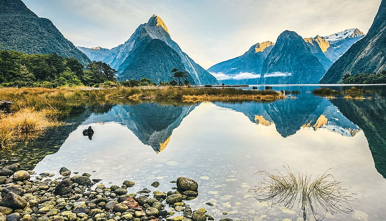 Mitre Peak in Milford Sound, Neuseeland