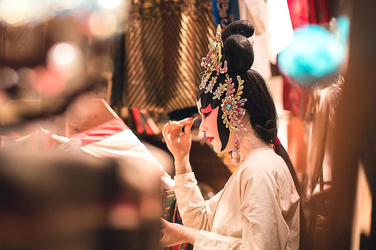 In China brach die so genannte Kulturrevolution mit den Traditionen.